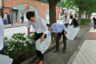 2018年上期「千代田区一斉清掃の日」に参加しました